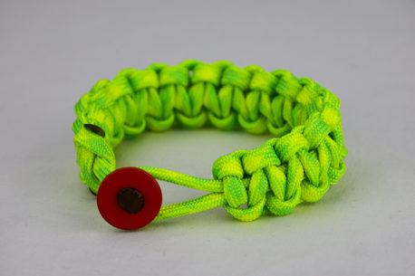 dayglow camouflage paracord bracelet unity band with red button front, picture of a dayglow camouflage paracord bracelet with red button fastener in the front on a white background
